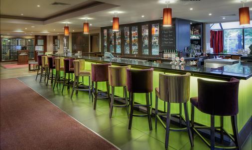 剑桥希尔顿逸林酒店 - 剑桥 - 酒吧