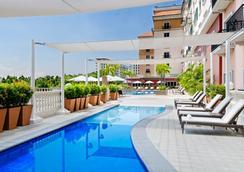 马尼拉万豪酒店 - 马尼拉 - 游泳池