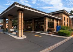 蔚蓝汽车旅馆 - 正在运营的Y汽车旅馆 - 克拉马斯福尔斯 - 建筑
