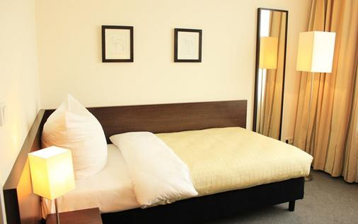 拉特左酒店 - 柏林 - 睡房
