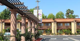阿纳海姆斯坦福套房酒店 - 安纳海姆 - 建筑