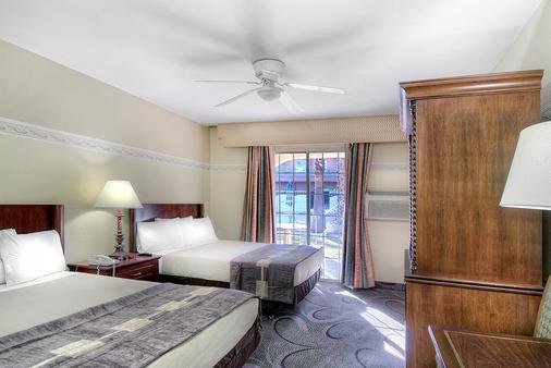 霍华德约翰逊拉斯维加斯大道酒店 - 拉斯维加斯 - 睡房