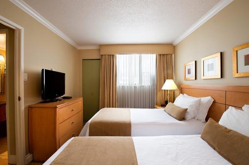 日落套房酒店 - 温哥华 - 睡房