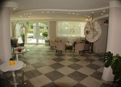 内洛达沃里奥 SPA 公寓酒店 - 里米尼 - 大厅