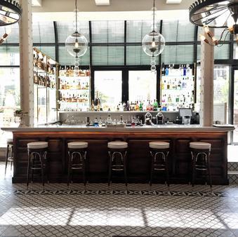 傲途格精选棉之屋酒店 - 巴塞罗那 - 酒吧