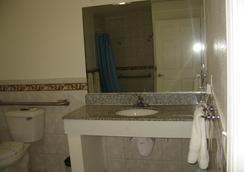 长滩陶尔汽车旅馆 - 长滩 - 浴室