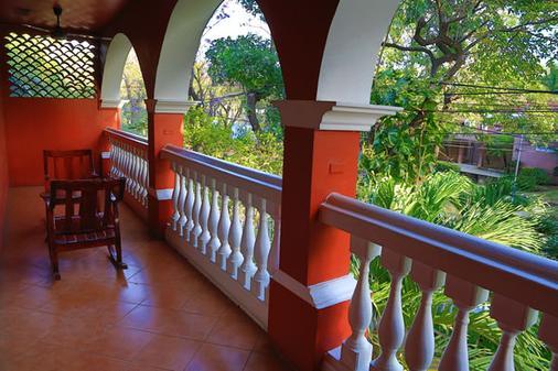 乐城堡酒店 - 馬拿瓜 - 阳台