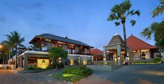 巴厘尼克莎玛海滩精品度假村 - 库塔 - 建筑