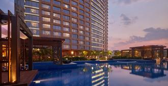 班加罗尔康莱德酒店 - 班加罗尔 - 游泳池
