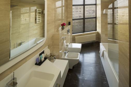 贝尔德设计酒店 - 基希訥烏 - 浴室