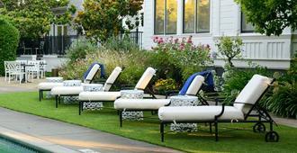 白宫及Spa中心旅馆 - 纳帕 - 游泳池