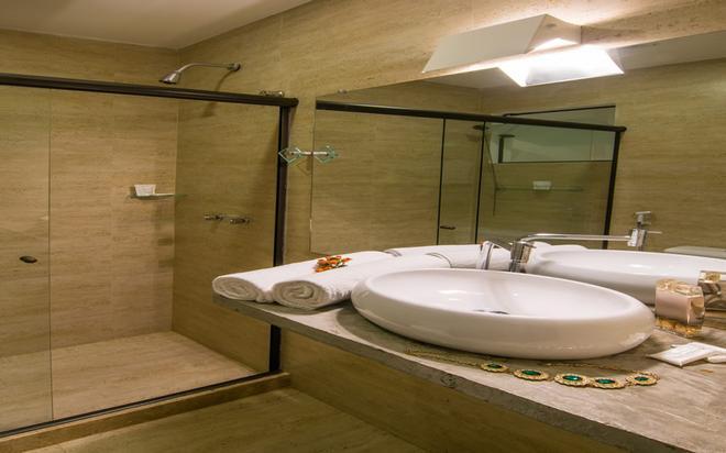 巴拉拉戈阿酒店 - 布希奥斯 - 浴室