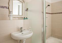 Central Hotel - 特拉维夫 - 浴室