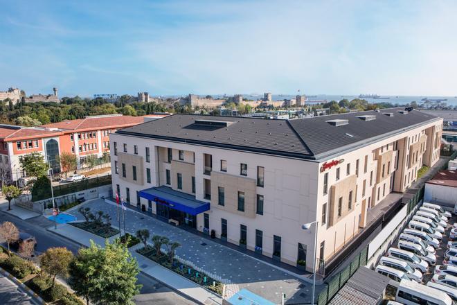 伊斯坦布尔宰廷布尔努希尔顿欢朋酒店 - 伊斯坦布尔 - 建筑