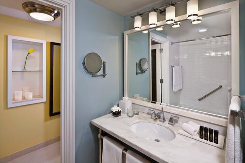 楝拿骚海滩酒店 - - 拿骚 - 浴室
