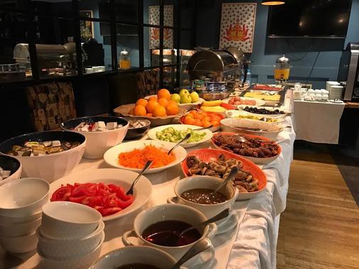 勒斯赛宜斯昂斯酒店 - 卡萨布兰卡 - 自助餐