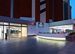 马克福特精华式旅馆-限成人 - 贝尼多姆 - 建筑