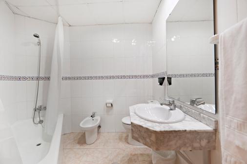 马克弗特格列戈饭店 - 式 - 托雷莫利诺斯 - 浴室