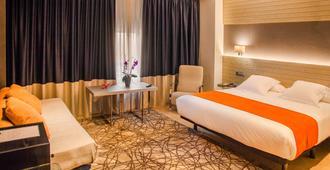 阿文尼达酒店 - 拉科鲁尼亚 - 睡房