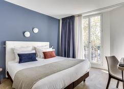 Hotel Courseine - 库尔布瓦 - 睡房