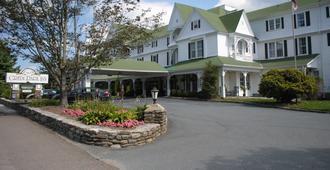 绿色公园旅馆 - 布洛英罗克山 - 建筑