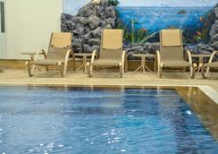 巴卡坎奥特尔酒店 - 艾瓦勒克 - 游泳池