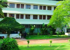温馨的摄政大酒店 - Alappuzha - 建筑