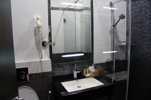 坲沃尔德公寓酒店 - 索契 - 浴室