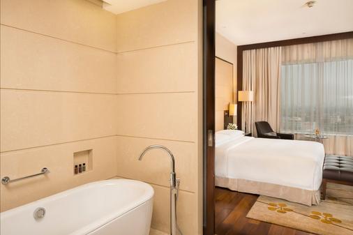 科钦万豪酒店 - 科钦 - 浴室