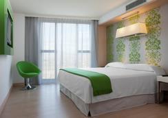 赫罗纳希尔顿逸林酒店 - 赫罗纳 - 睡房