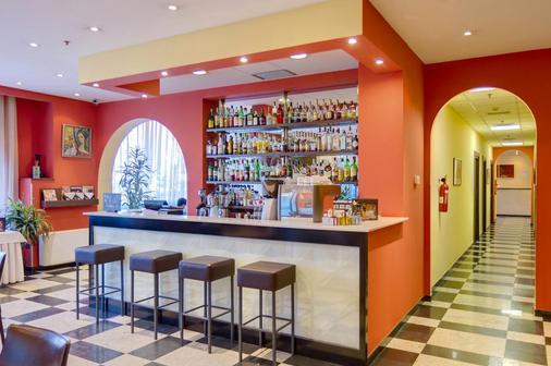 贝斯特韦斯特Plus国会酒店 - 埃里温 - 酒吧