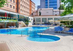 贝斯特韦斯特Plus国会酒店 - 埃里温 - 游泳池