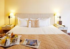 奥特易图尔埃菲尔酒店 - 巴黎 - 睡房