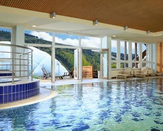 哈拉霍夫斯克拉奥雷阿度假村 - 哈拉霍夫 - 游泳池