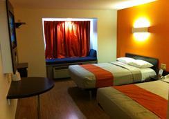 印第安纳波利斯 6 号汽车旅馆 - 印第安纳波利斯 - 睡房