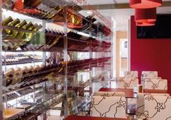 奥格罗韦诺拉特水疗酒店 - 庞特维德拉 - 酒吧
