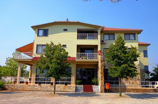 维多利亚索克地拉那旅馆 - 地拉那 - 建筑