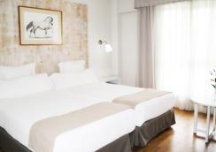 赫雷斯水疗酒店 - 赫雷斯-德拉弗龙特拉 - 睡房