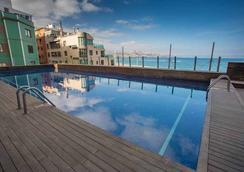克里斯蒂娜拉斯帕尔马斯斯考特而酒店 - 大加那利岛拉斯帕尔马斯 - 游泳池