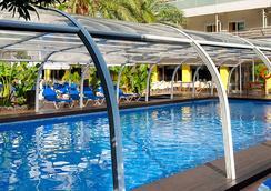 贝尼多姆广场酒店 - 贝尼多姆 - 游泳池
