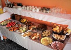 普萨达圣乔治宾馆 - 博尼图 - 自助餐