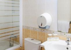 圣罗斯酒店 - 卢尔德 - 浴室