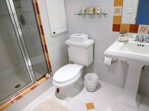 威尼斯酒店 - 劳德代尔堡 - 浴室