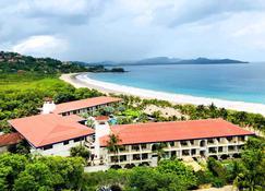 玛格丽塔维尔海滩度假村 - Playa Flamingo - 建筑