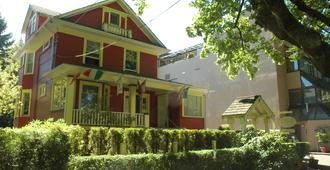 道格拉斯住宿加早餐旅馆 - 温哥华 - 建筑