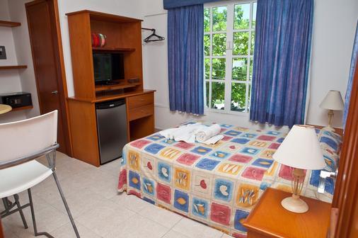 斯布卢哈酒店 - 女人岛 - 睡房