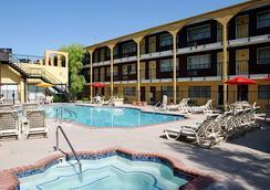 最佳西方狂欢赌场酒店 - 拉斯维加斯 - 游泳池