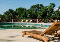 卡塔拉塔斯乡村酒店 - 伊瓜苏 - 游泳池