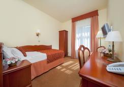 欧罗比斯基罗瓦中心酒店 - Wroclaw - 睡房
