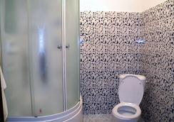 Astana Apple Hostel - 阿斯塔纳 - 浴室